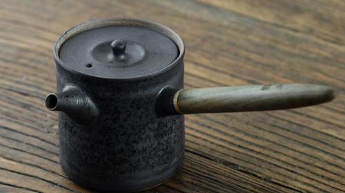 gongfu wooden handle tea pot